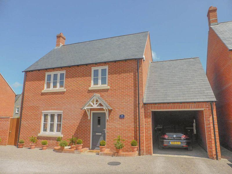 3 Bedrooms Detached House for sale in Clarks Meadow, Shepton Mallet