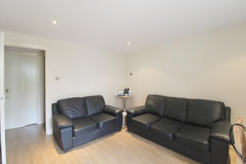 2 bedroom apartment to rent - Lucey Way, Bermondsey, London, SE16