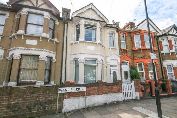 3 Bedrooms Terraced House for sale in Wanlip Road, London, E13