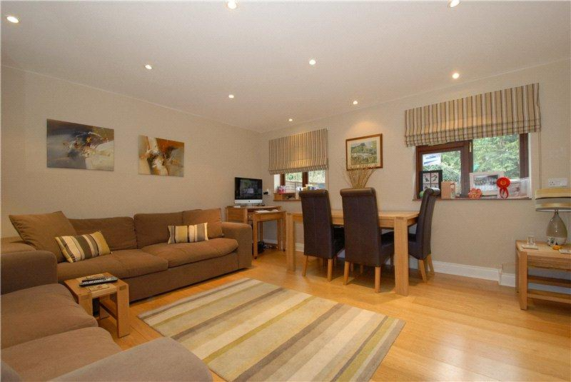 5 Bedrooms Detached House for rent in Mill Lane, Hurley, Maidenhead, Berkshire, SL6