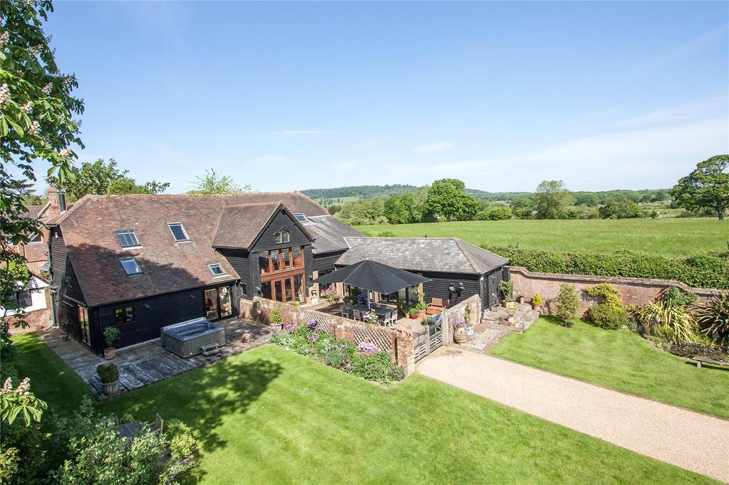 4 Bedrooms Link Detached House for sale in Hall Place, Cranleigh, Surrey, GU6