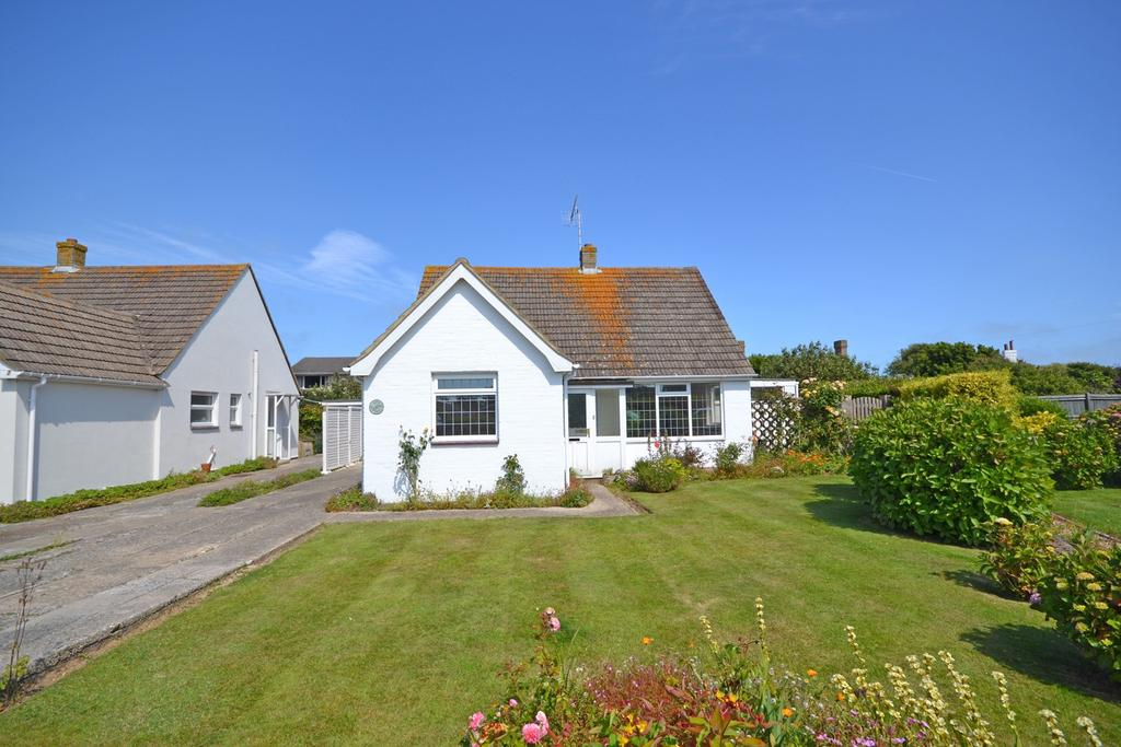 3 Bedrooms Detached Bungalow for sale in Sunnymead Close, Selsey, PO20