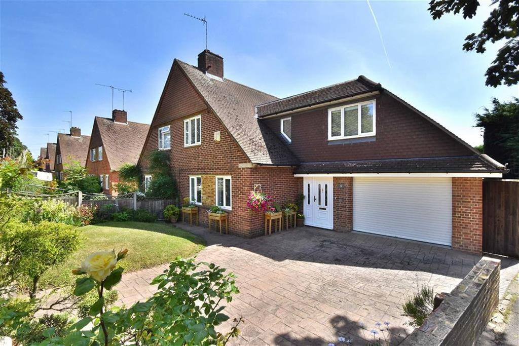 3 Bedrooms Semi Detached House for sale in Eastry Avenue, Hayes, Kent