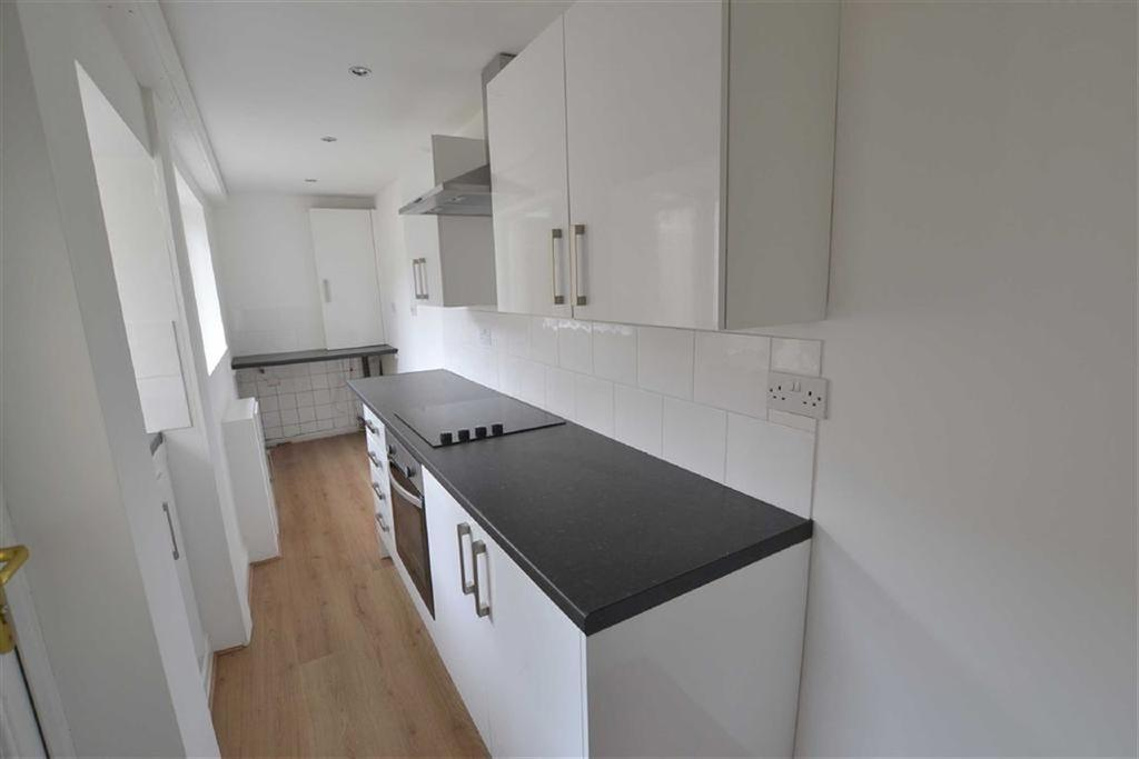 3 Bedrooms Terraced House for sale in Burnley Road, Padiham, Lancashire