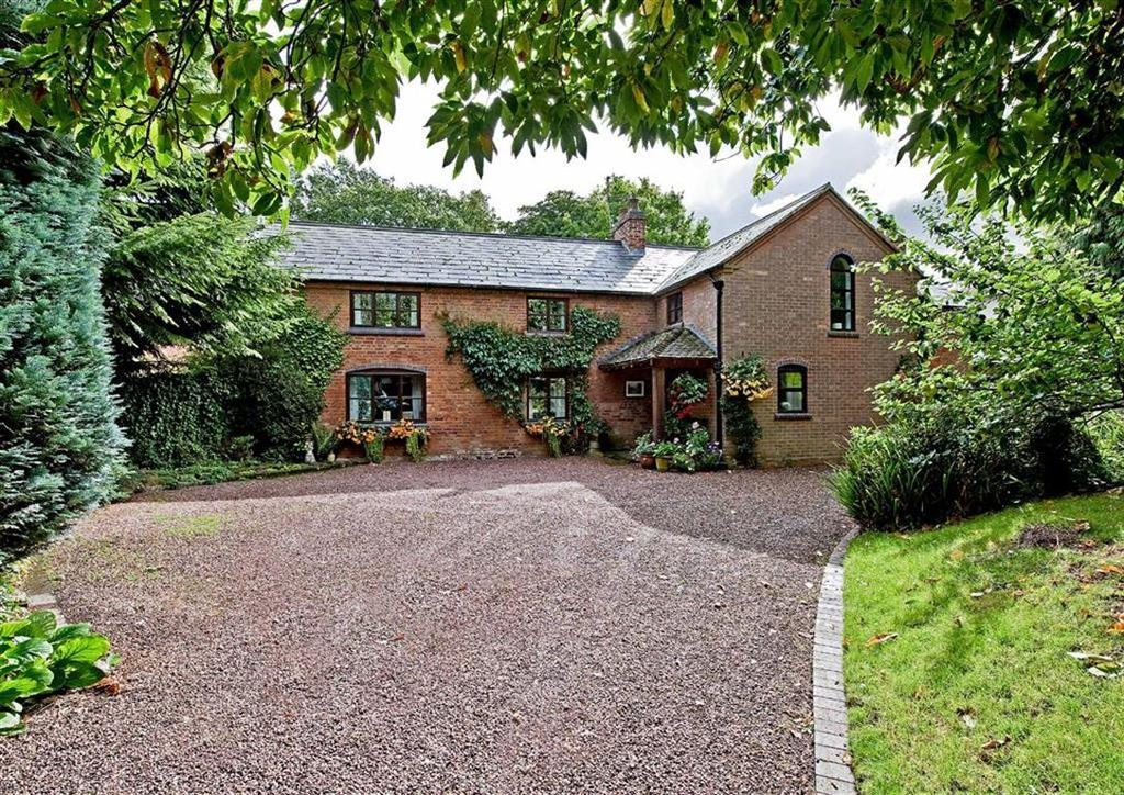 5 Bedrooms Detached House for sale in The Old Coach House, Blymhill Village, Blymhill, Shifnal, Shropshire, TF11