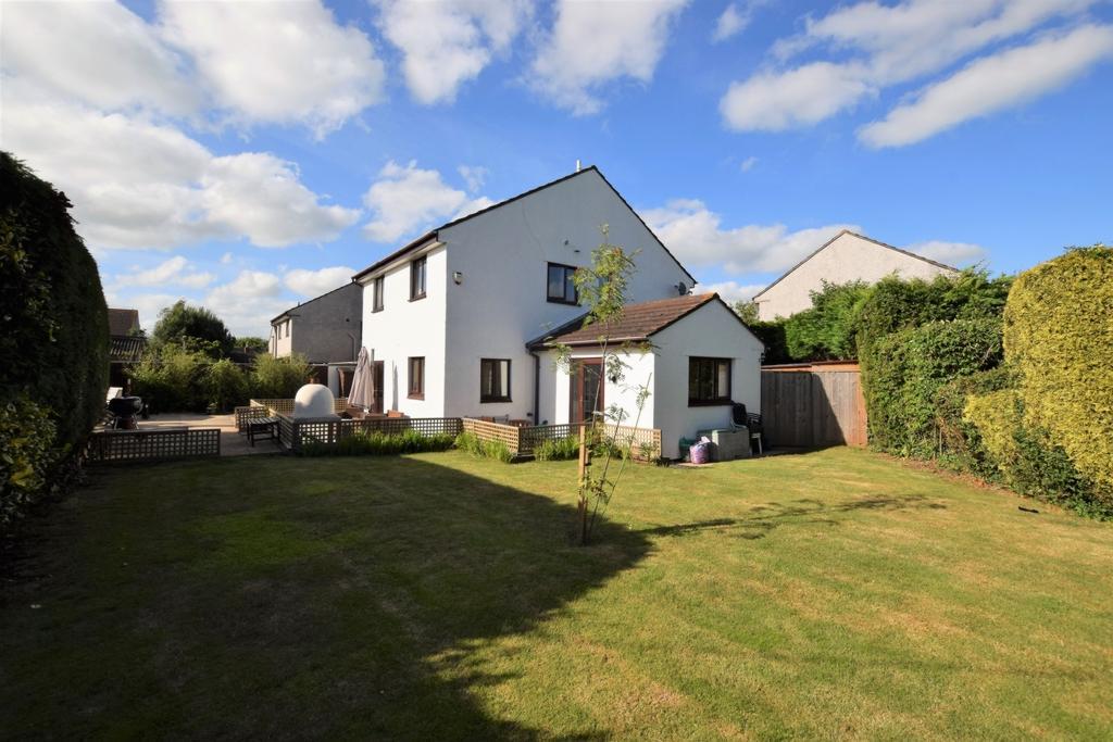 4 Bedrooms House for sale in Hellings Gardens, Broadclyst, EX5