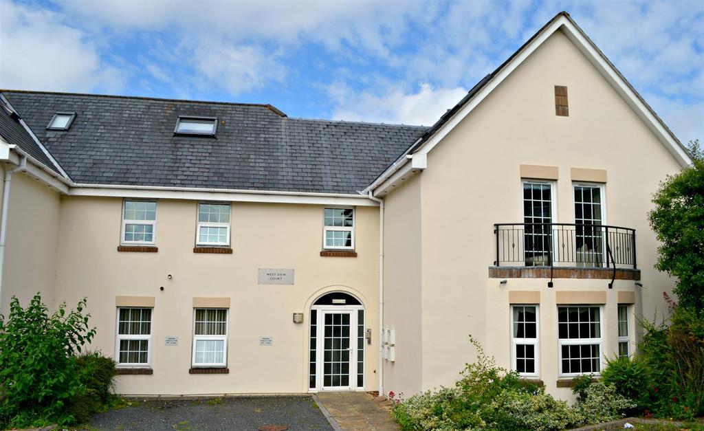 2 Bedrooms Flat for sale in Westview Court, Constitution Hill, Barnstaple