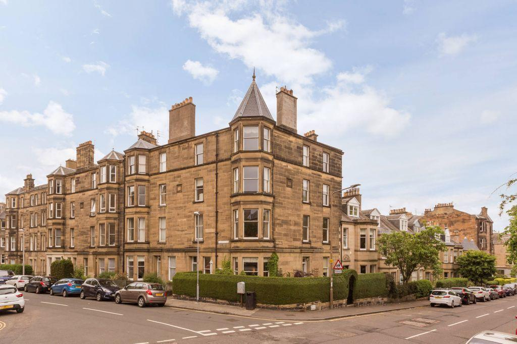 2 Bedrooms Flat for sale in 15/3 (2F1) Comiston Terrace, Edinburgh, EH10 6AJ
