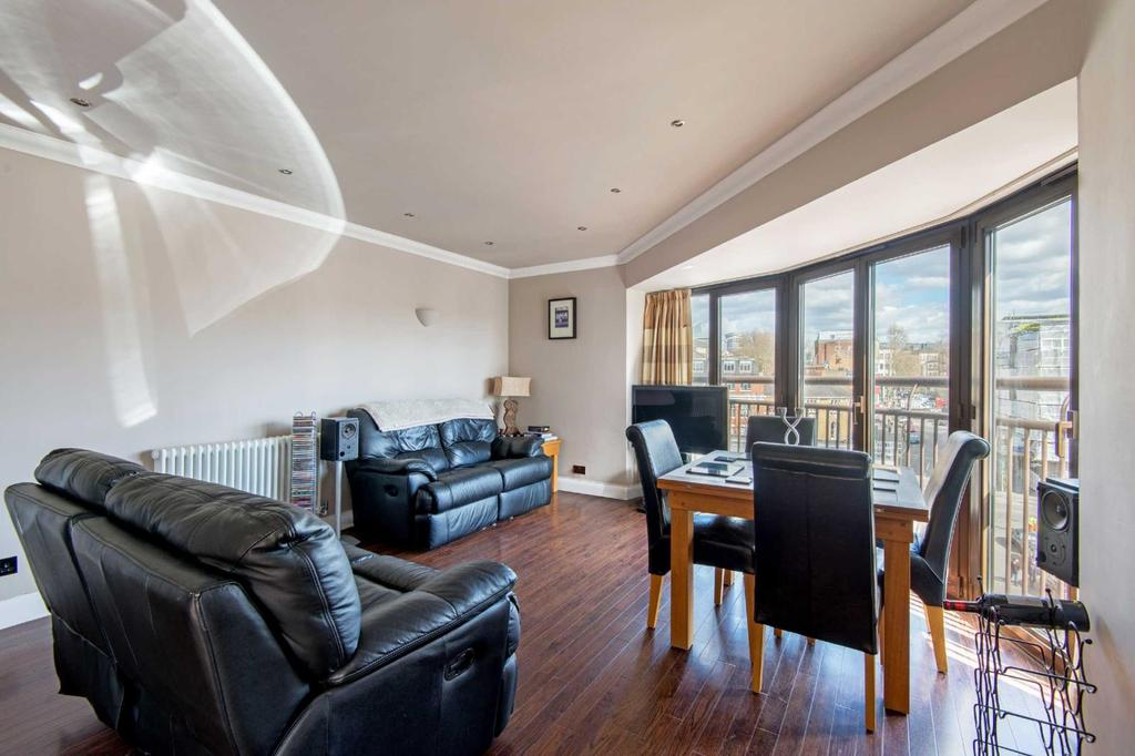 2 Bedrooms Flat for sale in Herbal Hill, EC1R