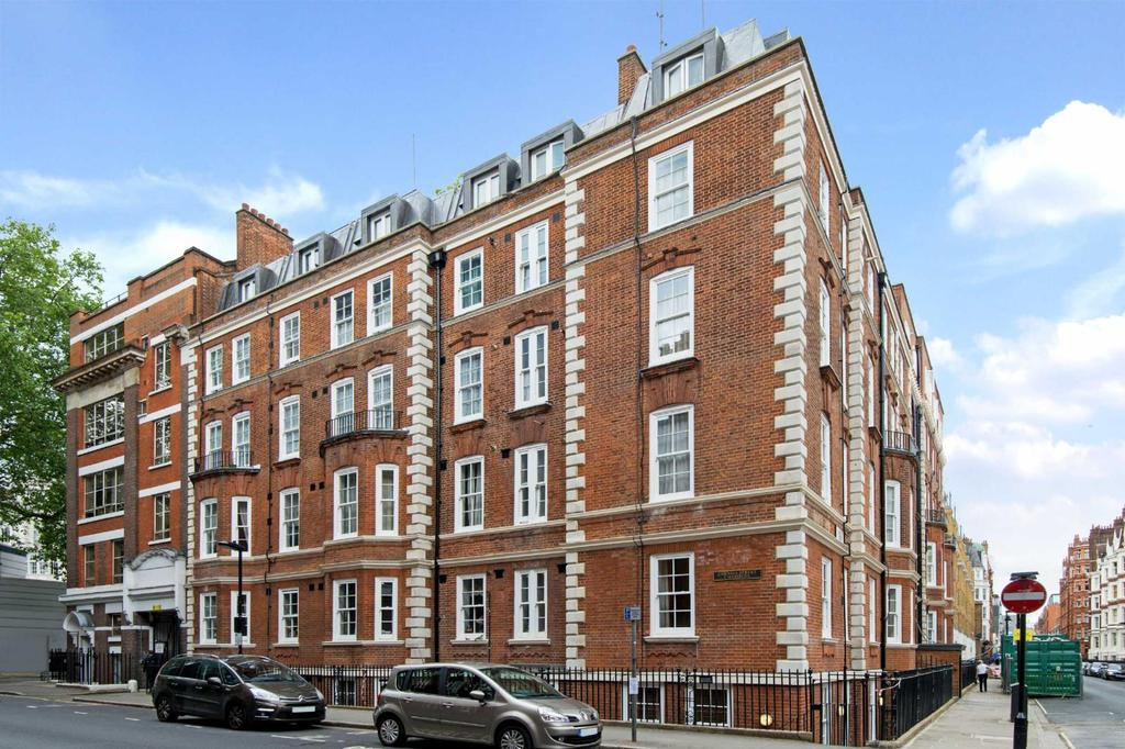 2 Bedrooms Flat for sale in Chenies Street, WC1E