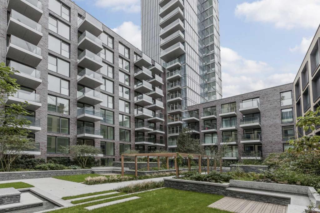 1 Bedroom Flat for sale in Meranti House, E1