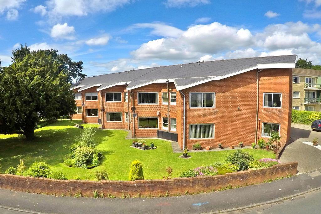 3 Bedrooms Flat for sale in Brynhill, St Edeyrns Road, Cyncoed