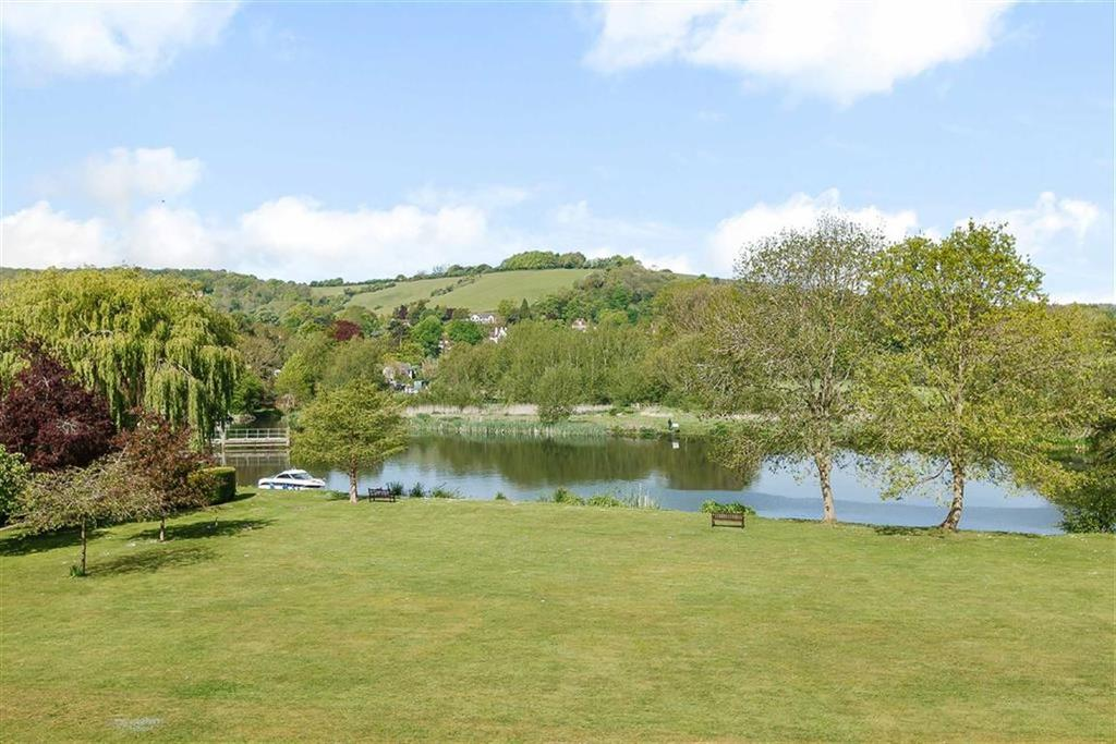 2 Bedrooms Apartment Flat for sale in Thames Bank, Goring, South Oxfordshire, RG8