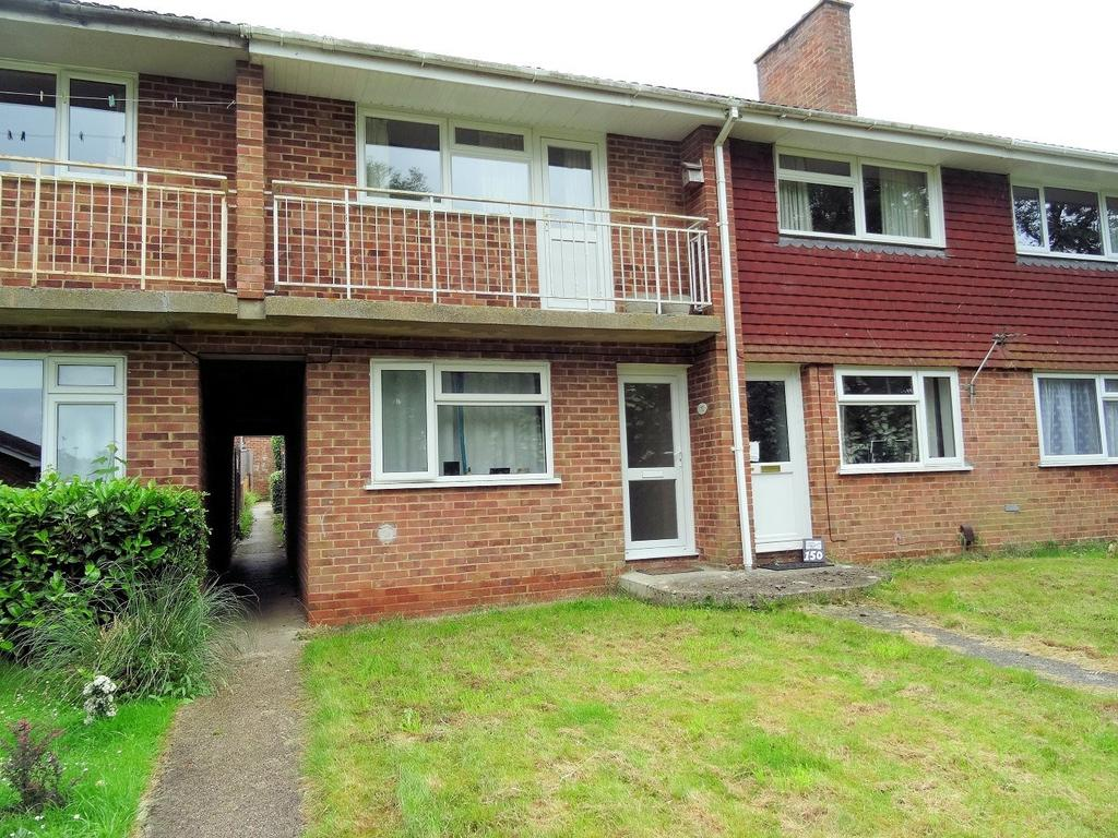 2 Bedrooms Maisonette Flat for sale in Britten Road, Brighton Hill