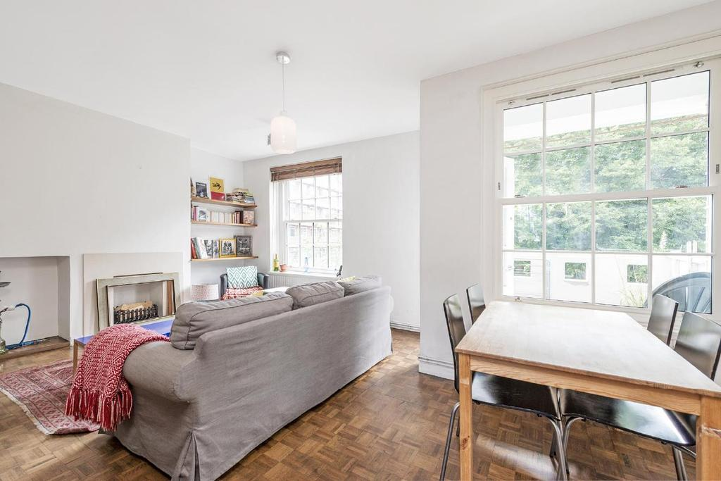 3 Bedrooms Flat for sale in Charlbert Street, St Johns Wood