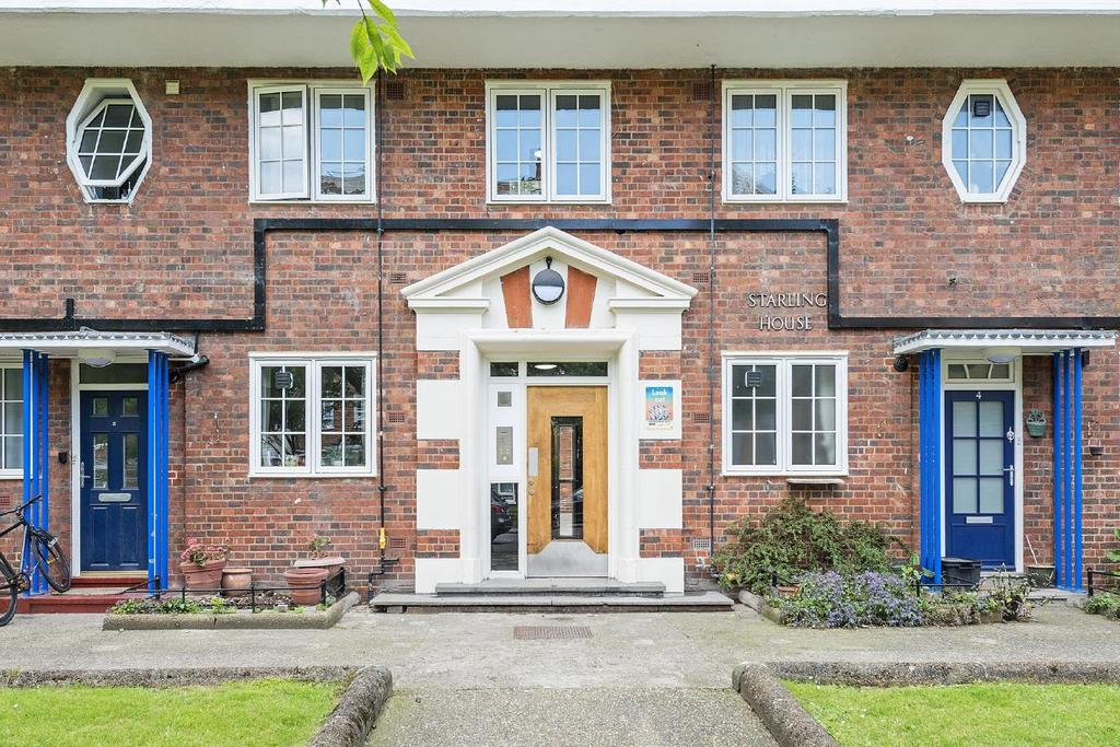 3 Bedrooms Flat for sale in Charlbert Street, St Johns Wood, NW8