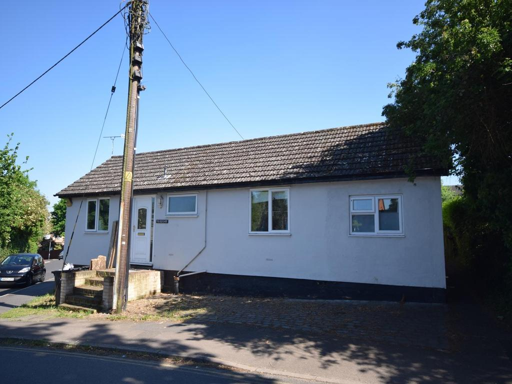 4 Bedrooms Detached Bungalow for sale in Mill Lane, Dunmow, Essex, CM6