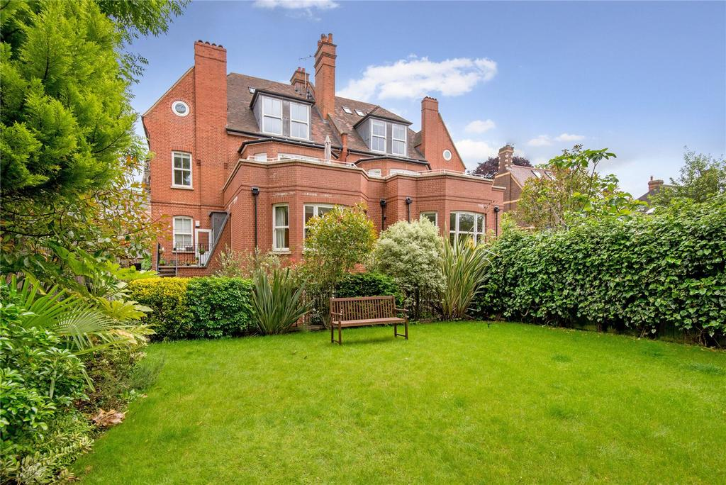 2 Bedrooms Flat for sale in Rosslyn Hill, London, NW3