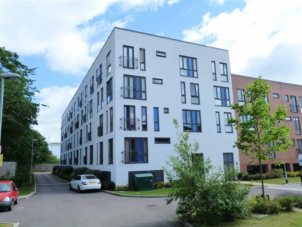 2 Bedrooms Apartment Flat for sale in Otto Road, Welwyn Garden City