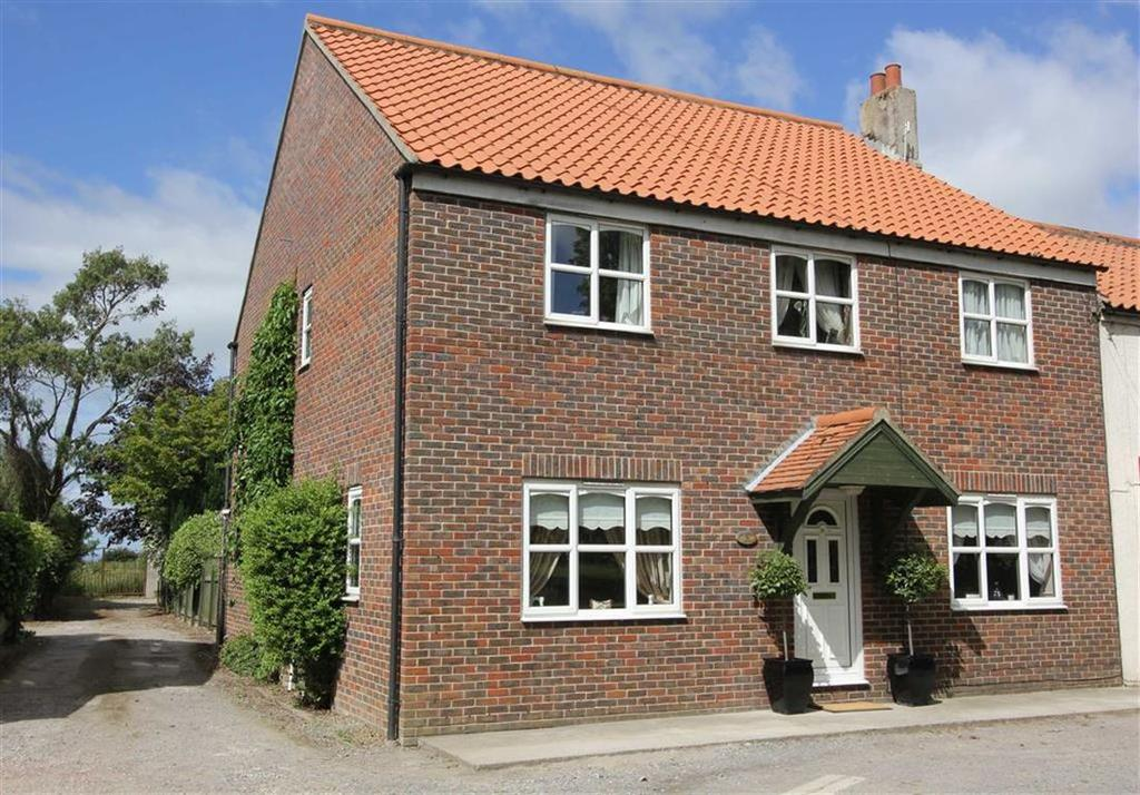 4 Bedrooms End Of Terrace House for sale in The Green, Seamer