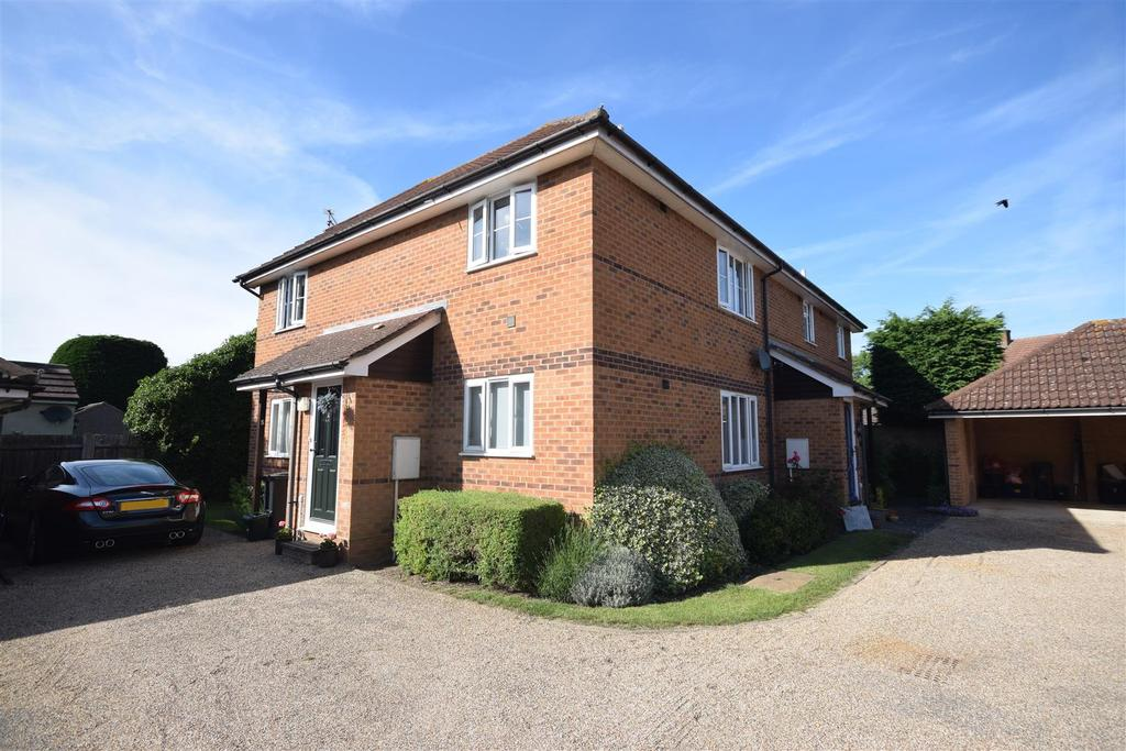 2 Bedrooms Maisonette Flat for sale in The Street, Wickham Bishops, Witham