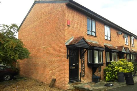 2 bedroom end of terrace house to rent - Avenue Road, Chadwell Heath RM6