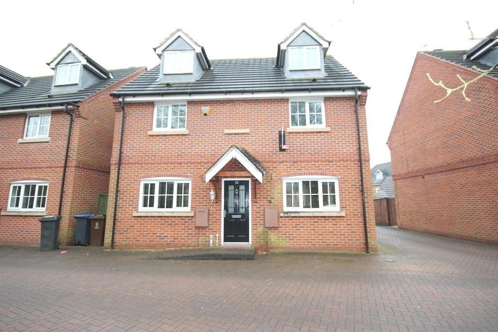 4 Bedrooms Detached House for sale in Millbrook Gardens, Blythe Bridge