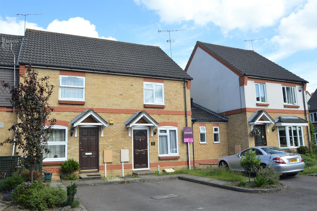 2 Bedrooms Terraced House for sale in Fernihough Close, Weybridge, Surrey, KT13
