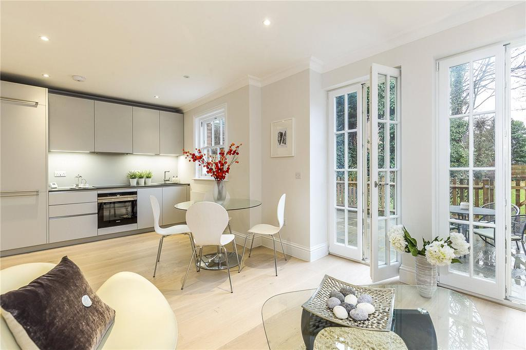 3 Bedrooms Flat for sale in Fountain House, 138 West Hill, London, SW15