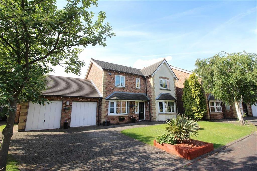 4 Bedrooms Detached House for sale in Churchfields, Sale