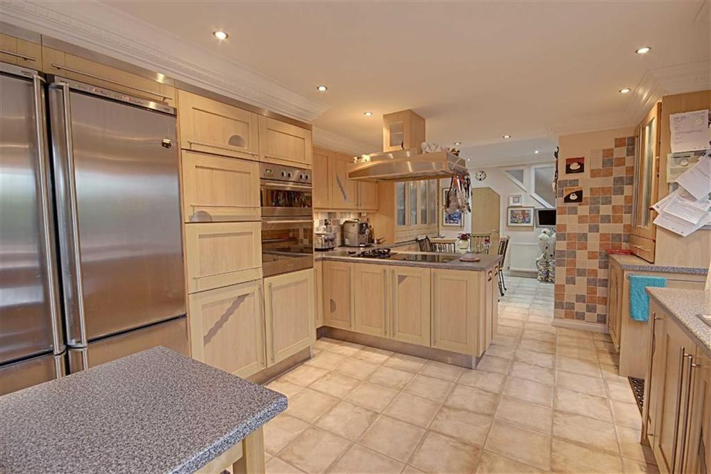 4 Bedrooms Semi Detached Bungalow for sale in Woodlands Road, Cleadon Village, Sunderland