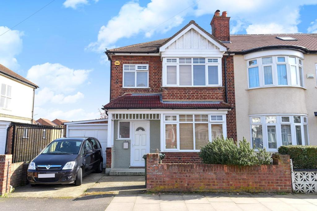 3 Bedrooms Semi Detached House for sale in Edgehill Road, Mitcham, CR4