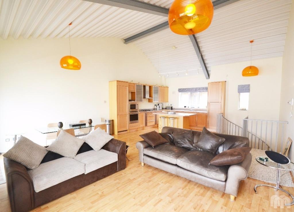 2 Bedrooms Flat for rent in Portland Street Brighton East Sussex BN1