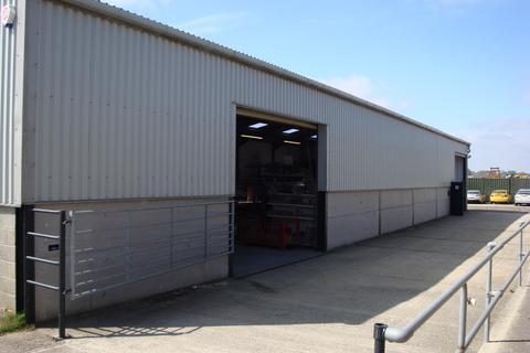 Light industrial to rent - Derby Dell Buildings, Lasham, Alton GU34