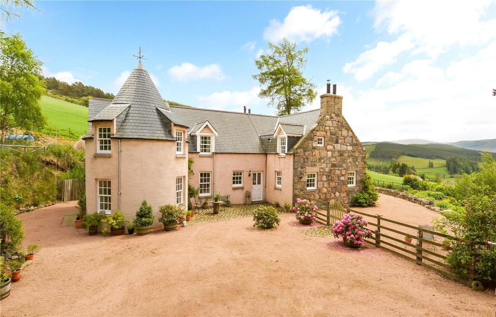 5 Bedrooms Detached House for sale in Auld Cummerton, Bellabeg, Strathdon, Aberdeenshire, AB36