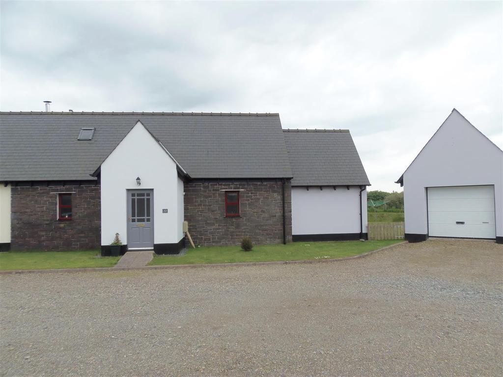 2 Bedrooms Semi Detached Bungalow for sale in Cuffern Roch