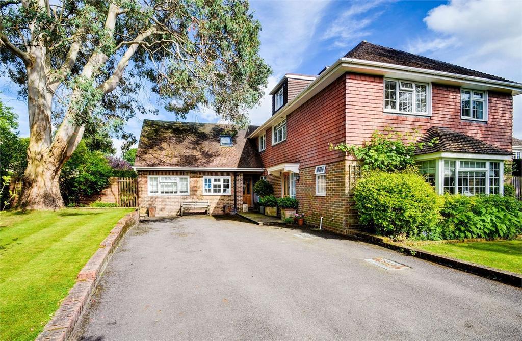 6 Bedrooms Detached House for sale in Tudor Close, Grayshott