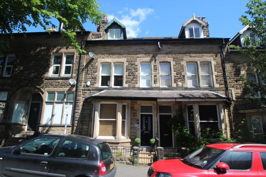 4 Bedrooms Terraced House for sale in GLEBE AVENUE, HARROGATE, HG2 0LT