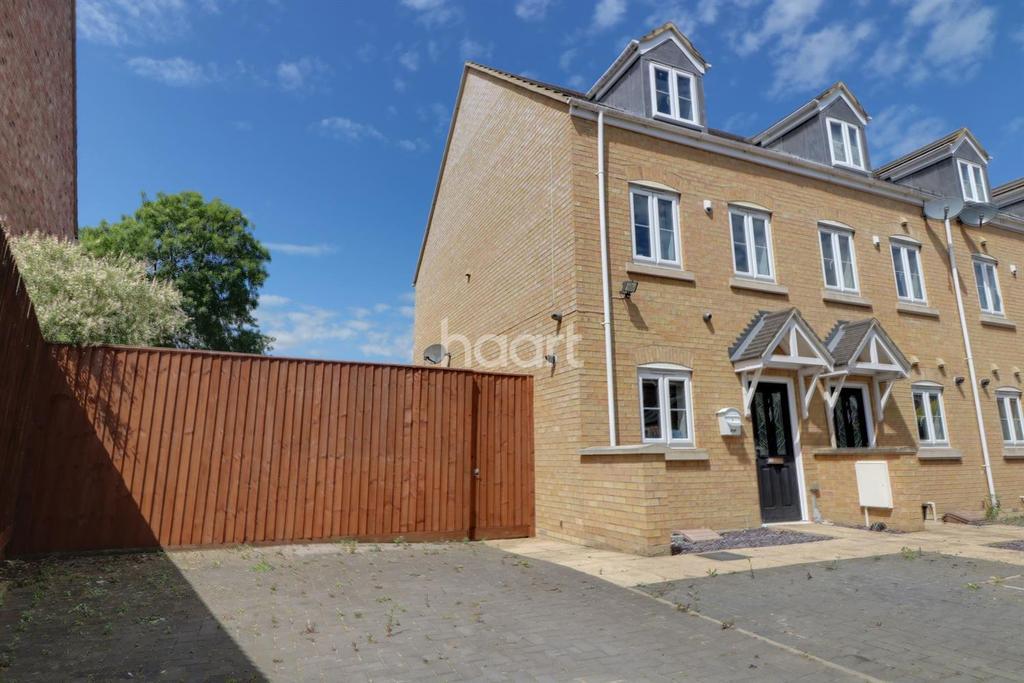 3 Bedrooms End Of Terrace House for sale in Webb Gardens, Wimblington