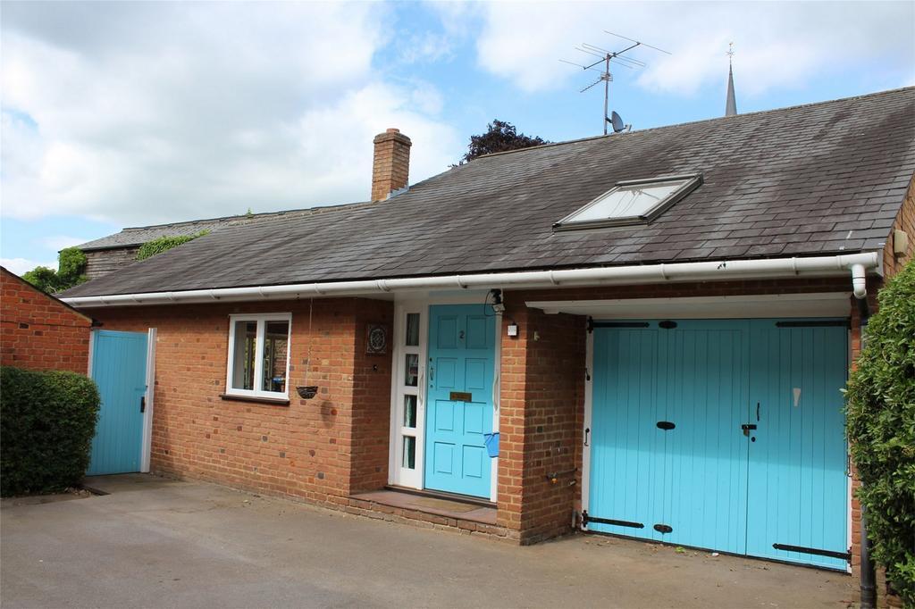 2 Bedrooms Chalet House for sale in Cambridge Mews, Hitchin Street, Baldock, Hertfordshire