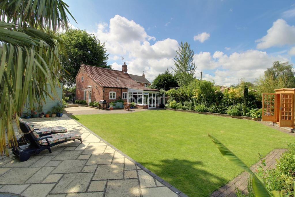 3 Bedrooms Detached House for sale in Lilac Cottage, Hevingham