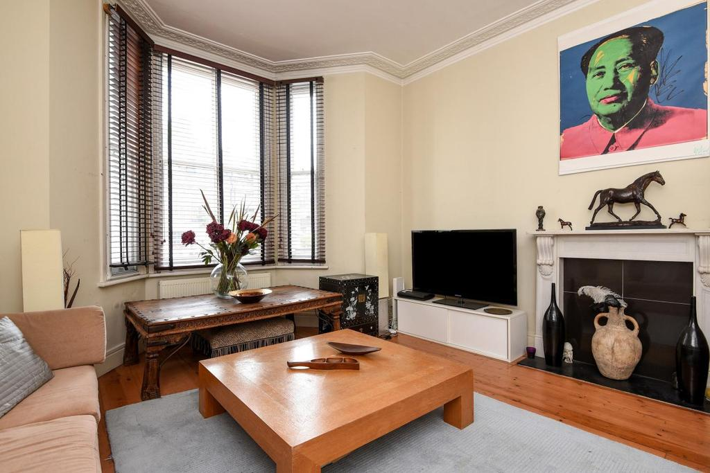 3 Bedrooms Flat for sale in Finborough Road, Chelsea, SW10