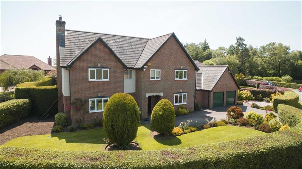 4 Bedrooms Detached House for sale in Queens Copse Lane, Wimborne, Dorset