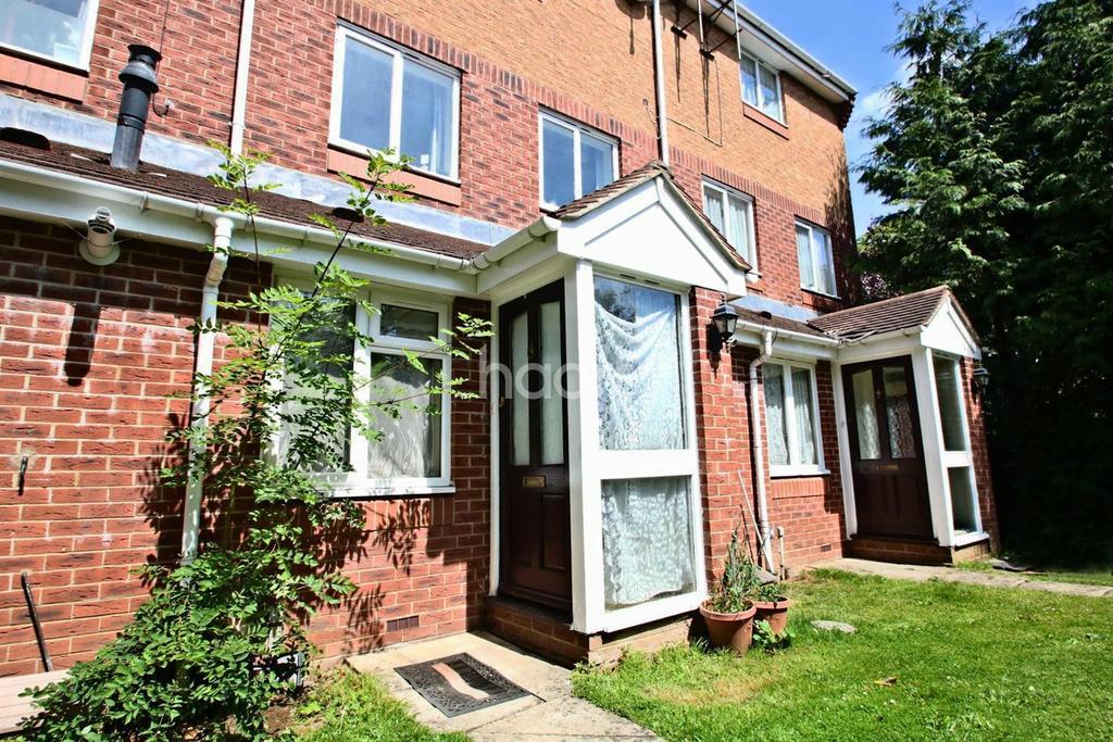 1 Bedroom Maisonette Flat for sale in Kelvin Gardens, Croydon, CR0