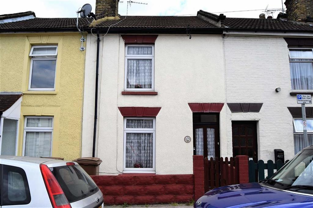 3 Bedrooms Terraced House for sale in Gardiner Street, Gillingham, Kent, ME7
