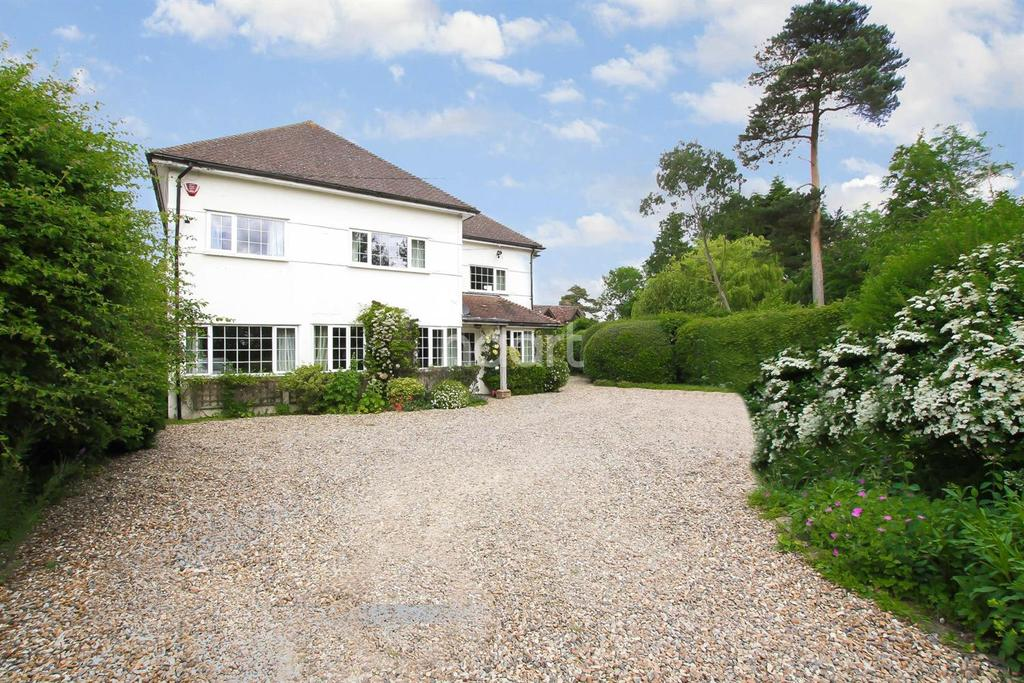 4 Bedrooms Detached House for sale in Rabley Heath Lodge
