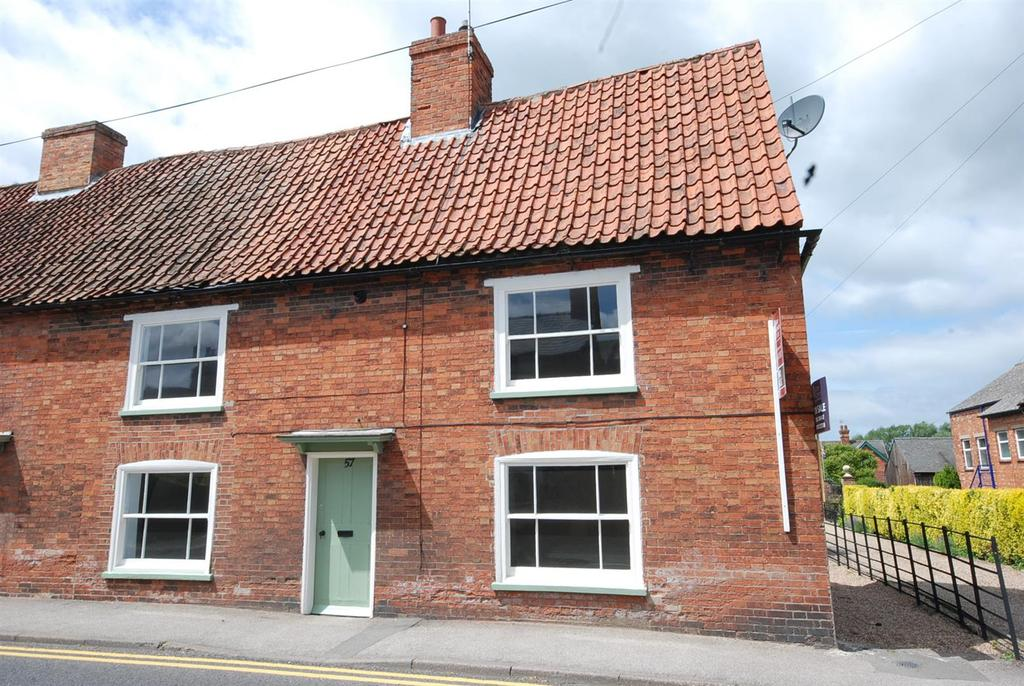 2 Bedrooms Cottage House for sale in High Street, Collingham, Newark