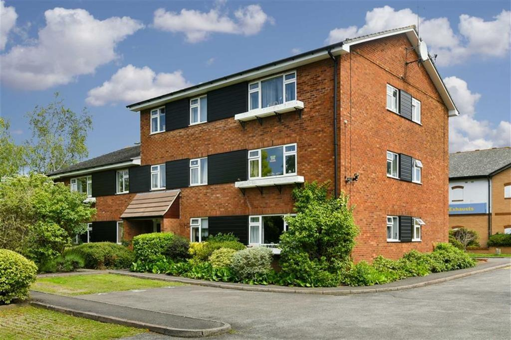 1 Bedroom Flat for sale in The Stanfords, Epsom, Surrey