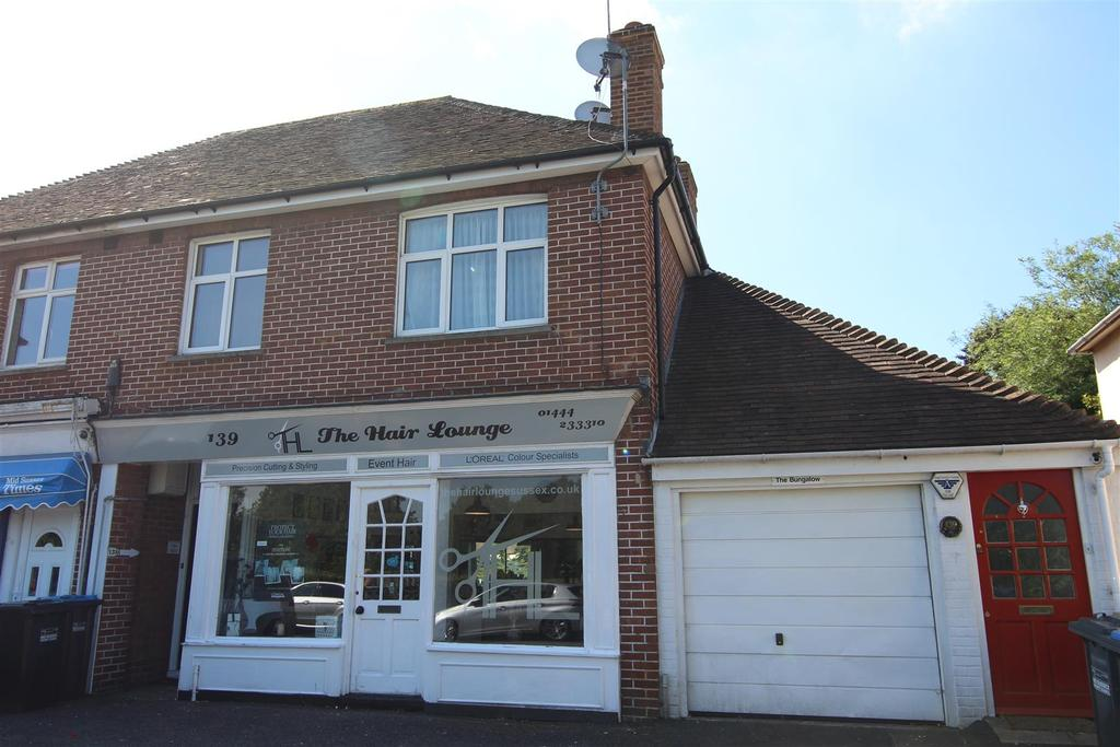1 Bedroom Flat for sale in Lower Church Road, Burgess Hill