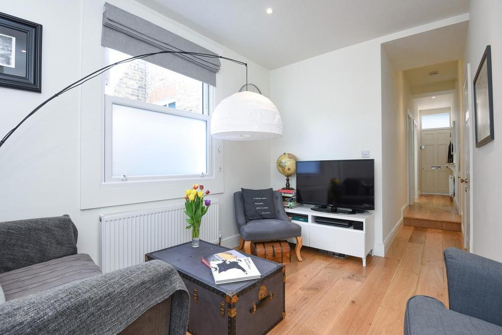 2 Bedrooms Maisonette Flat for sale in Boundary Road, Colliers Wood, SW19